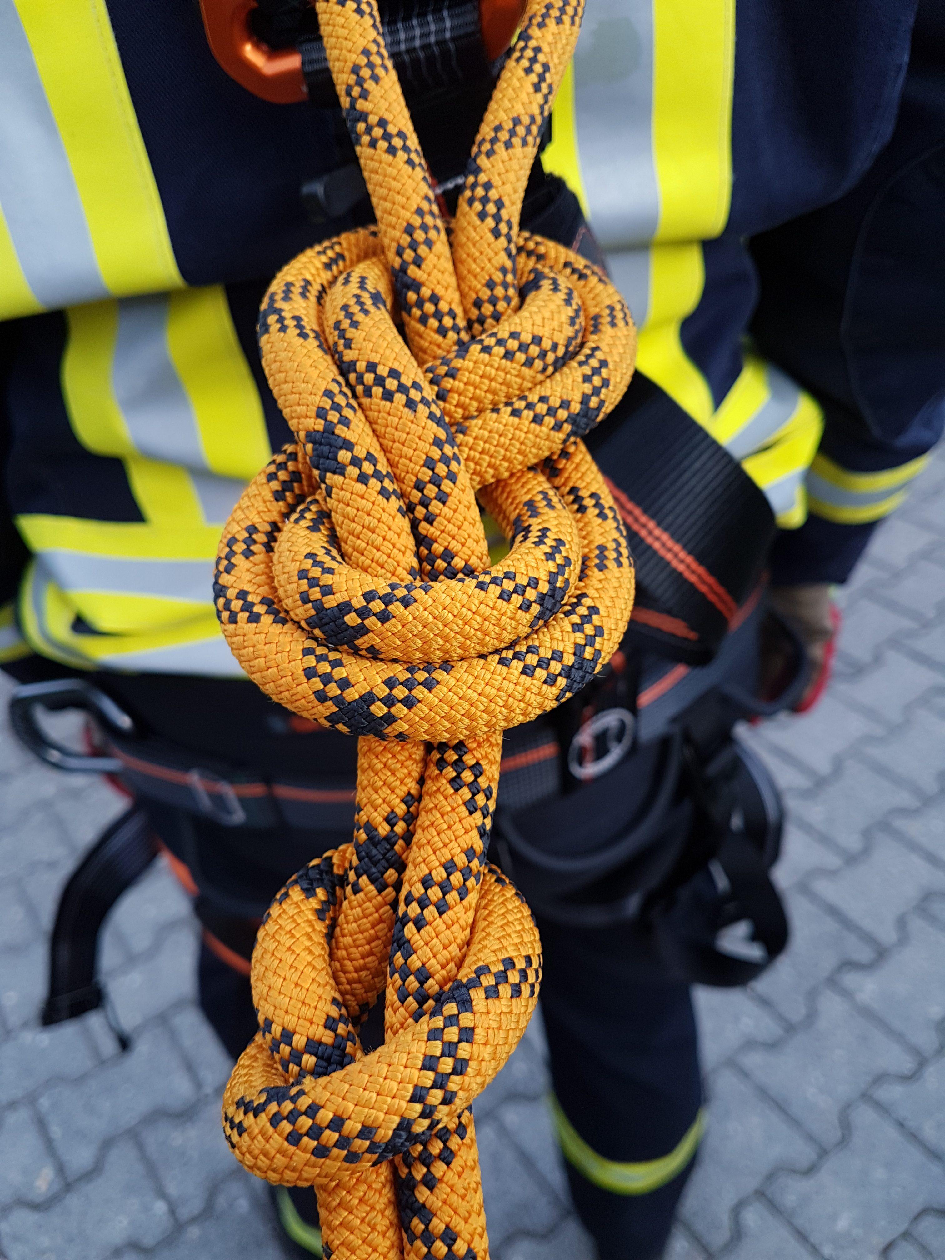 """Arbeiten im Absturzgefährdeten Bereich""""   Freiwillige Feuerwehr ..."""